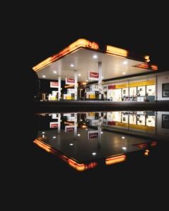 Bild von eine Shell Tankstelle